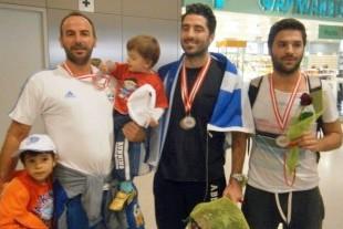 сборная Греции возвращается домой
