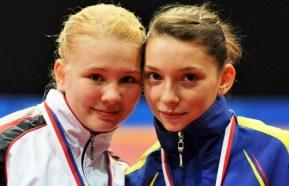 Яна Носкова и Bernadette Szocs